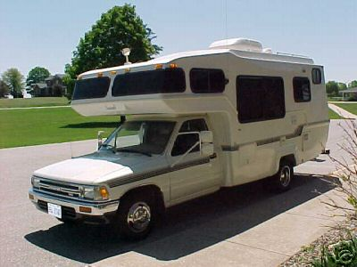 New 1992 Toyota Tacoma Itasca Solar Spirit RV Motorhome By Winnebago